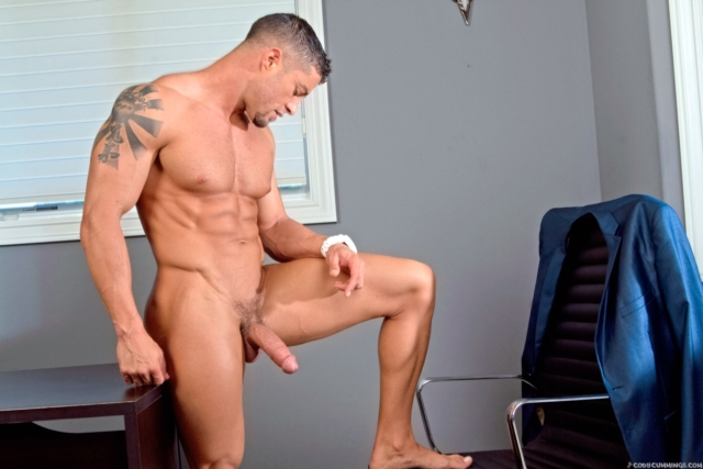 Cody-Cummings-gay-porn-star-ripped-muscle-stud-American-huge-dick-bubble-butt-muscled-hunk-hard-abs-01-pics-gallery-tube-video-photo