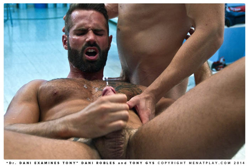 MenatPlay-naked-men-big-dicks-Handsome-doctor-Danie-Robles-28-year-old-patient-muscle-boy-Tony-Gys-010-tube-download-torrent-gallery-sexpics-photo