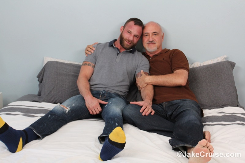 JakeCruise-sexy-naked-muscle-tattoo-stud-Derek-Parker-Cocksure-Men-sucked-big-thick-dick-cocksucker-older-mature-jake-cruise-anal-rimming-002-gay-porn-sex-gallery-pics-video-photo