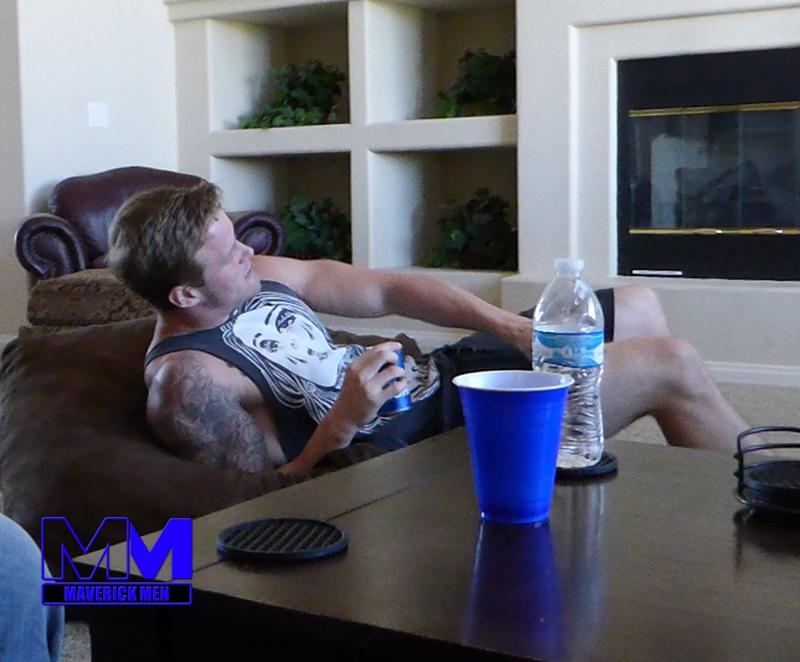 maverickmen-older-naked-mature-gay-guy-sean-fucks-straight-man-dax-cum-asshole-jizz-bareback-ass-fucking-anal-rimming-002-gay-porn-sex-gallery-pics-video-photo