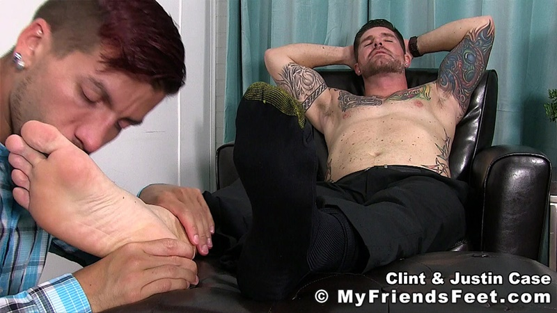 myfriendsfeet-foot-fetish-young-guys-socks-justin-case-clint-bare-foot-worshiping-huge-size-13-shoes-feet-fetishist-001-gay-porn-sex-gallery-pics-video-photo