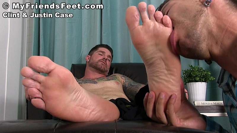 myfriendsfeet-foot-fetish-young-guys-socks-justin-case-clint-bare-foot-worshiping-huge-size-13-shoes-feet-fetishist-017-gay-porn-sex-gallery-pics-video-photo