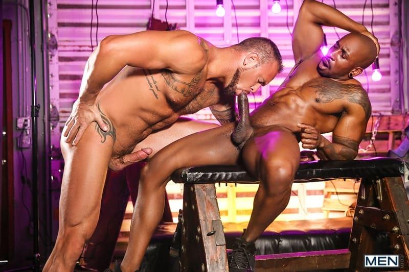 Men-Max-Konnor-rims-Michael-Romans-erect-cock-001-Gay-Porn-Pics
