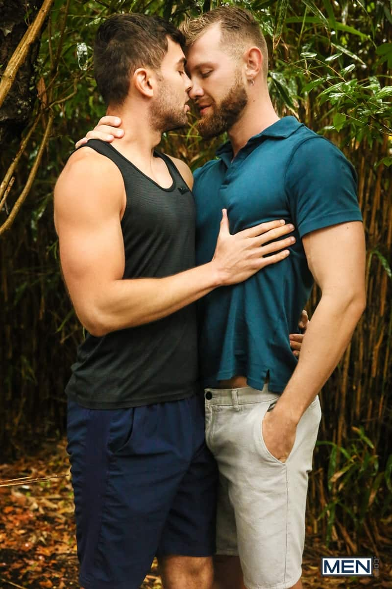 Anthony Verusso Gay Porn Tongue Kiss ripped muscle stud alexander muller top eats jacob